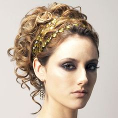 greek goddess makeup and hair This hair style reminds me of a Greek Goddess Greek Goddess Hairstyles, Grecian Hairstyles, Roman Hairstyles, Fancy Hairstyles, Wedding Hairstyles, Wedding Updo, Gossip Girl Hairstyles, Ball Hairstyles, Gorgeous Hairstyles