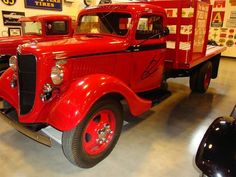 1936 FORD FLATBED TRUCK