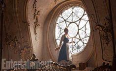 A Bela e a Fera é capa de revista e ganha novas imagens com Emma Watson, Luke Evans, Josh Gad, e mai... - Laurie Sparham