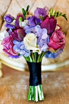 lavender wedding colors ~~ The Bouquet!