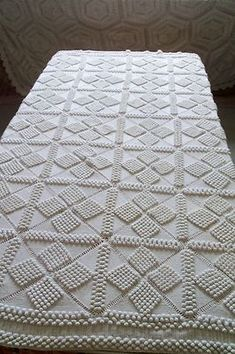 ANTIQUE VINTAGE 100 YEAR OLD COTTON HAND MADE CROCHET BEDSPREAD | eBay