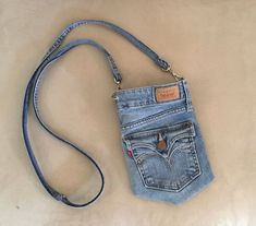Your place to buy and sell all things handmade – purses and handbags diy Artisanats Denim, Diy Denim Purse, Blue Denim, Jean Diy, Denim Ideas, Denim Crafts, Old Jeans, Recycled Denim, Diy Clothes