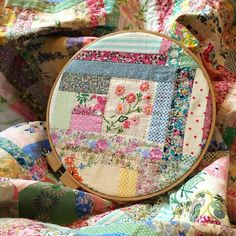 Me, You and Magoo: 15 creative ideas for using vintage trims, ribbons, fabric scraps and haberdashery items Hexagon Patchwork, Patchwork Quilt Patterns, Fabric Patterns, Quilting Fabric, Patchwork Designs, Nancy Zieman, Embroidery Patterns Free, Vintage Embroidery, Creative Embroidery