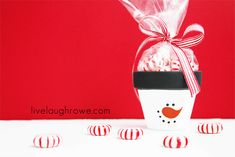 DIY Frosty the Snowman Candy Gift Pots with LiveLaughRowe.com #crafts #christmas #snowman