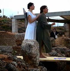 'Ολια Λαζαρίδου: Η γυναίκα της Ζάκυνθος στο Θέατρο Αρχαίας Αιγείρας Πολυπόθητο και πολυαναμενόμενο γεγονός από τα τέλη της δεκαετίας του 1990 (όταν το Αυστριακό Ινστιτούτο ολοκλήρωσε τις ανασκαφές μέσα στο Θέατρο) ήταν η «επαναλειτουργία» του σημαντικού αυτού χώρου στην περιοχή μας.