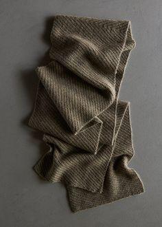 shifting-angles-scarf-600-2
