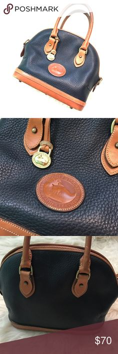 👛 DOONEY AND BOURKE purse Beautiful and Authentic Downey and Bourke Leather purse. 83 993258. No rips or tears. In very good condition, all zippers work. Dooney & Bourke Bags