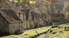 イギリス、コッツウォルズ 小人と妖精に会いに行く旅