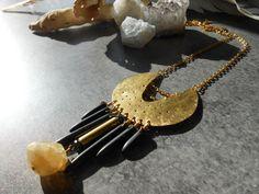 Collier croissant de lune en laiton fait main par JewelryByPlk