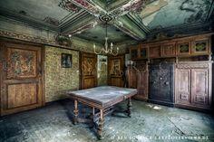 The Variety of Urban Decay Photography - 14 Amazing Photos - YourAmazingPlaces.com