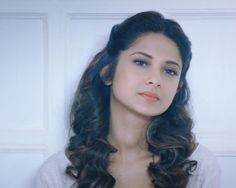 When Jennifer Winget Was Caught Between Maya And Zoya! Jennifer Winget Beyhadh, Jennifer Love, Beautiful Girl Image, Hollywood Celebrities, Girl Pictures, Bollywood Actress, Hair Goals, Asian Beauty, Glamour