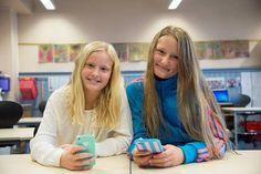 1 av 3 barn er på sosial medier Barn, Bullying, Converted Barn, Barns, Sheds