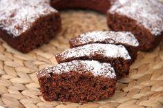 Unottima ciambella da colazione o da merenda realizzata con la farina integrale e resa più gustosa dalla presenza del cocco e della cioccolata.