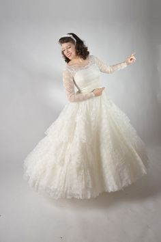 Vintage 1950s Wedding Dress // Classic 1950s Full Skirt by FabGabs,
