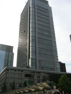 丸の内ビルディング(丸ビル)- 2-4-1 Marunouchi, Chiyoda-ku, Tōkyō / 東京都千代田区丸の内2-4-1