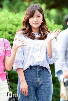 Men Street Look, Street Style Women, Cute Short Dresses, Cute Japanese Girl, Sexy Jeans, Jeans Fit, Cute Asian Girls, Beauty Full Girl, Beautiful Asian Women