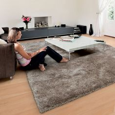 Swing shaggy rugs 65 in coffee buy online from the rug seller uk - Arte Espina - Lounge Rugs Interior Design Services, Home Interior Design, Interior Decorating, Room Rugs, Rugs In Living Room, Living Area, Fluffy Rugs Bedroom, Family Dining Rooms, Lounge Rug
