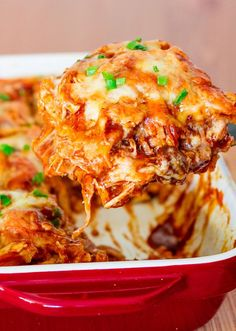 Easy Chicken Enchilada Bake is one of the tastiest chicken enchilada casserole recipes. It's made with shredded rotisserie chicken, enchilada sauce, sour cream, cheese, and corn tortillas. Mexican Dishes, Mexican Food Recipes, Dinner Recipes, Chorizo Recipes, Mexican Meals, Dinner Ideas, Easy Chicken Enchilada Casserole, Enchilada Sauce, Mexican Casserole