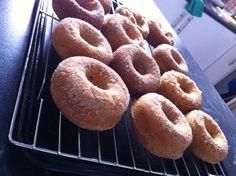 Muffin Doughnuts Cinnamon Sugar Muffins, Cinnamon Sugar Donuts, Cinnamon Rolls, Baked Donuts, Doughnuts, Donut Muffins, Donut Cupcakes, Baking Recipes, Dessert Recipes