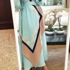 Abaya Fashion, Muslim Fashion, Modest Fashion, Women's Fashion Dresses, Girl Fashion, Style Marocain, Hijab Evening Dress, Mode Abaya, Hijab Style