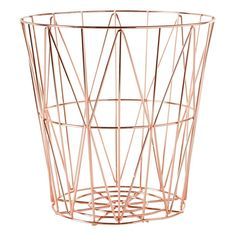 White marble is timeless and classic, but when combined with rose gold, it's undeniably modern. Check out these marble and rose gold accessories. Décoration Rose Gold, Rose Gold Basket, Rose Gold Decor, Gold Home Decor, Rose Gold Marble, White Marble, Room Decor Bedroom Rose Gold, Rose Gold Rooms, Marble Bedroom