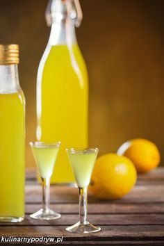 Likier Limoncello - przepis Wine Drinks, Alcoholic Drinks, Beverages, Cocktails, B Food, Infused Vodka, Irish Cream, Hot Sauce Bottles, White Wine