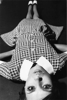 F. C. GUNDLACH :: Cathy Dahmen, dress in hound's tooth design by Falke, Hamburg, 1969