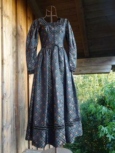 Trachten Dirndl Kleid Gr. 38/40 dunkel bunt