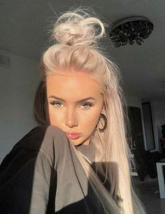 thats why im white --- i dont invite death out of ppl being jealous -- ireally d. - thats why im white — i dont invite death out of ppl being jealous — ireally dont…what i make - Pink Blonde Hair, Blonde Hair Looks, Platinum Blonde Hair, Looks Chic, Hair Day, Dyed Hair, Hair Inspiration, Hair Inspo, Cool Hairstyles