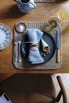 Make a lasting impression: Let napkins double as place cards, with your loved ones' names stitched right in.http://www.flaxandtwine.com/2013/11/diy-personalized-embroidered-napkins/?utm_campaign=coschedule&utm_source=pinterest&utm_medium=Flax%20and%20Twine&utm_content=DIY%20Personalized%20Embroidered%20Napkins