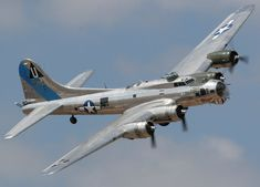 Cool photos and descriptions by a professional aviation photographer of the aircraft flying at the Commemorative Air Force Airshow at Midland, Texas. B 17, Ww2 Aircraft, Military Aircraft, Old Planes, War Thunder, War Machine, Machine Guns, Air Show, Military History