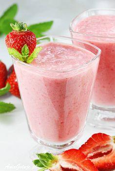 Koktajl truskawkowy. Strawberry coctail. Healthy Foods, Healthy Recipes, Kefir, Shake, Smoothies, Panna Cotta, Drinks, Ethnic Recipes, Per Diem