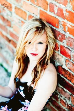 hipster fashion, click the pic to see senior picture ideas for girls, photography, field, urban, bridge, North Texas Photographer Dallas