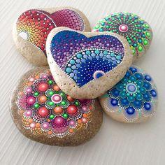 826 отметок «Нравится», 10 комментариев — Mandalas and painted rocks (@createandcherish) в Instagram: «#heart #createandcherish #dotart #mandala #paintedrocks #paintedstone #dotilism #etsyshop #love…»