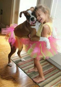 Boxer Dogs 38 Heart-Warming Images Show The Powerful Bond Between Children And Their Pets - Together Forever Dogs And Kids, Animals For Kids, I Love Dogs, Boxer Puppies, Cute Puppies, Cute Dogs, Puppies Tips, Boxer And Baby, Boxer Love