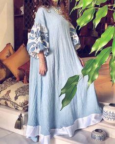 Couture Dresses, Women's Fashion Dresses, Dress Outfits, Iranian Women Fashion, Arab Fashion, Trendy Dresses, Casual Dresses, Abaya Mode, Vestidos Color Azul