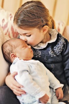 First pictures of Prince Louis of Cambridge with his sister Princess Charlotte 6 MAY 2018