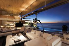 Contemporary De Wet 34 Residence in Cape Town