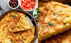 The name of the recipe that we are going to cook today is Spanish omelette.Check out the Best Spanish Omelette Recipe To Try Now Omelette Recipe, Omelette Ideas, Spanish Omelette, Spanish Dishes, Fried Onions, French Fries, Diy Food, Paella, Tapas