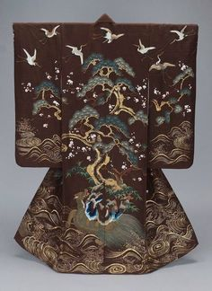 "Japanese Embroidery Kimono "" Kimono (uchikake) with Island of Paradise design, made in Japan in the century (source)."