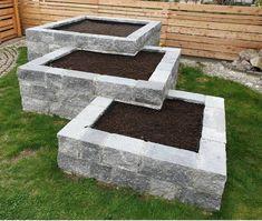 Raised Garden Planters, Concrete Garden, Backyard Garden Landscape, Outdoor Landscaping, Small Courtyard Gardens, Outdoor Gardens, Landscape Edging Stone, Front Yard Garden Design, Garden Room Extensions