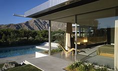 Kaufman House in Palm Springs, California