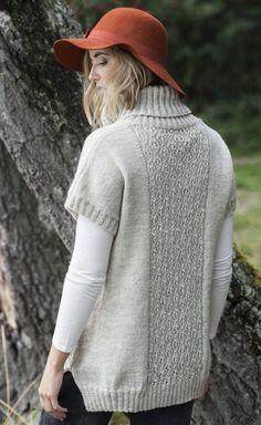 Вязаный свитер с короткими рукавами