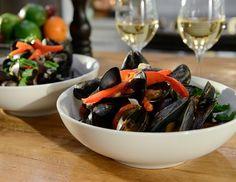 Mussels, Mets, Japchae, Recipies, Restaurant, Ethnic Recipes, Couple, Food, Milk