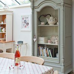 Calm country kitchen-diner | Kitchen-diner idea | housetohome.co.uk