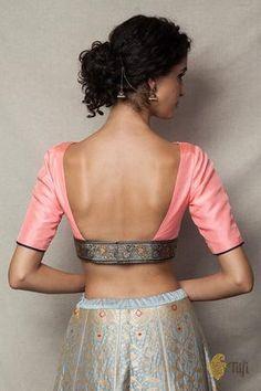 Saree Blouse Neck Designs, Fancy Blouse Designs, Choli Blouse Design, Stylish Blouse Design, Sexy Blouse, Blouse Dress, Designer Blouse Patterns, Indian Designer Outfits, Indian Outfits