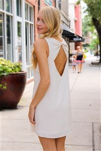 Final Bow Dress. www.Shoplaurennicole.com  #bowdress #bow #dress #nudedress #summerdress #sororitystyle #preppystyle #preppy #prep