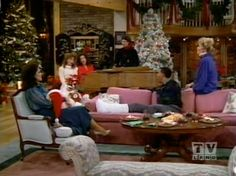 TV 's 25 Greatest Holidays Moments Again! Christmas Tv Shows, Christmas Past, Vintage Christmas, Christmas Classics, Xmas, Jean Smart, School Tv, Delta Burke, Old Fashioned Christmas