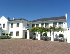 For sale in Parow, Plattekloof - Cape Dutch, Real Estate Companies, Mansions, House Styles, Home, Manor Houses, Villas, Ad Home, Mansion