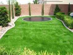 Kleine Rasenflächen Sind Große Plätze Für Kunstrasen. Du Musst Nicht So  Viel Auf Den Rasen